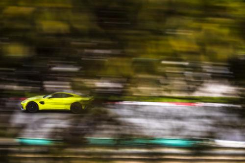 Aston Martin V8 Vantage Lime Essence - Portimao