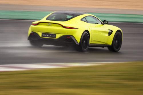 Aston Martin V8 Vantage Lime Essence - Portimao-jpg