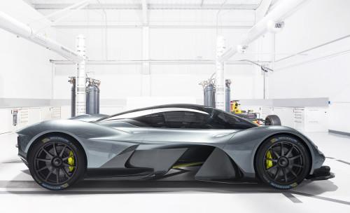 Aston Martin Valkyrie_Michelin_01.jpg