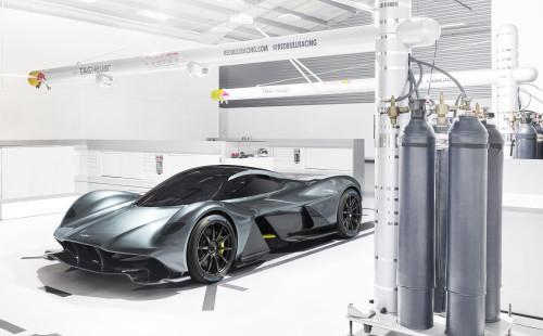 Aston Martin Valkyrie_Michelin_02.jpg