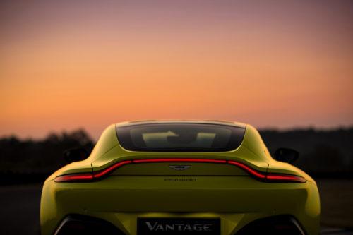 Aston Martin VantageLime Essence12-jpg