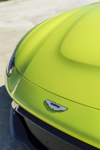 Aston Martin VantageLime Essence13-jpg
