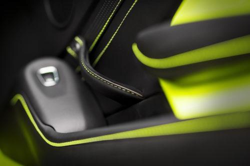 Aston Martin VantageLime Essence20-jpg
