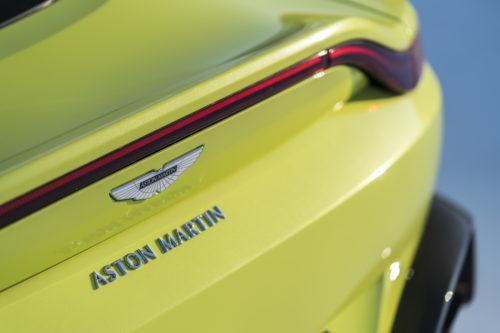 Aston Martin VantageLime Essence14-jpg
