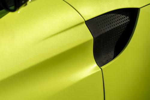 Aston Martin VantageLime Essence15-jpg