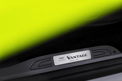 Aston Martin VantageLime Essence19-jpg