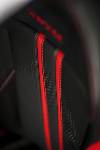 Aston Martin VantageTungsten Silver16-jpg