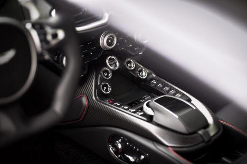 Aston Martin VantageTungsten Silver14-jpg