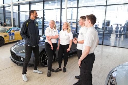 Rio Ferdinand joins the Aston Martin squad02-jpg