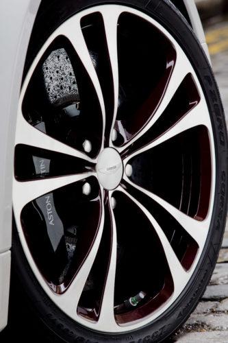 2012 – 2013 V12 Vantage Roadster 2-JPG