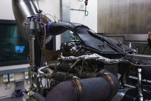 Aston Martin Valkyrie Engine 3-JPG