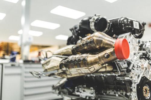 Aston Martin Valkyrie Engine 4-jpg