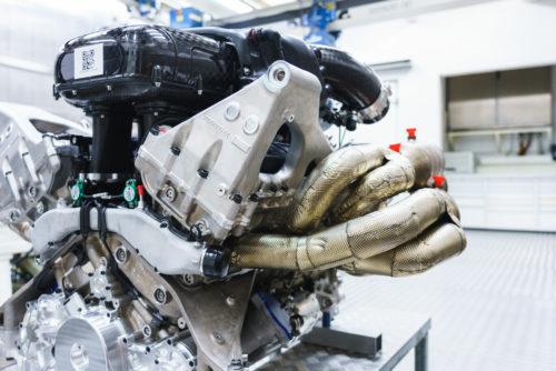 Aston Martin Valkyrie Engine 11-JPG