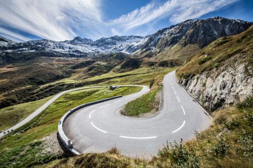 Aston Martin Art of LivingSwiss Alps 2-jpg