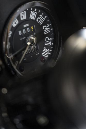 Aston Martin DB4 GT Zagato Continuation 17-jpg