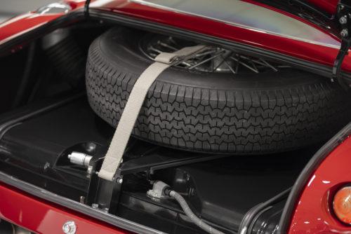 Aston Martin DB4 GT Zagato Continuation 20-jpg
