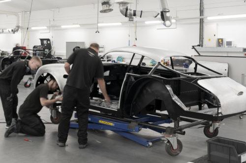 Aston Martin DB4GT Zagato BuildNewport Pagnell10-jpg