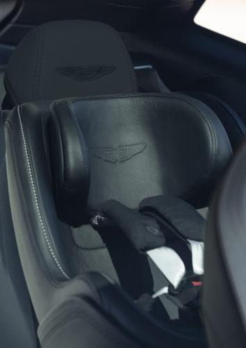 Aston Martin Enthüllt Den Dbx Einen Suv Mit Der Seele Eines Sportwagens Aston Martin Pressroom