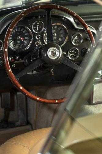 Aston Martin DB6 Vantage 3-jpg