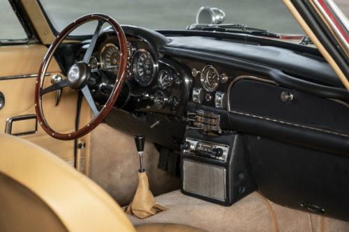 Aston Martin DB6 Vantage 2-jpg
