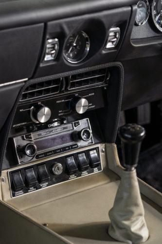 Aston Martin DBS Vantage  3-jpg