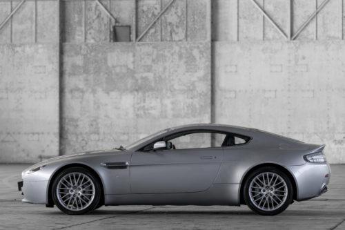 Aston Martin V8 Vantage 2005-2017 8-jpg