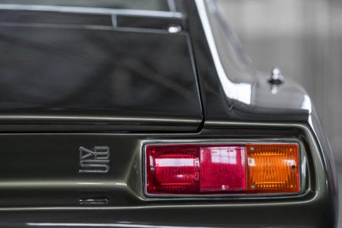 Aston Martin DBS Vantage  6-jpg