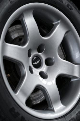 Aston Martin V8 Vantage V550 9-jpg